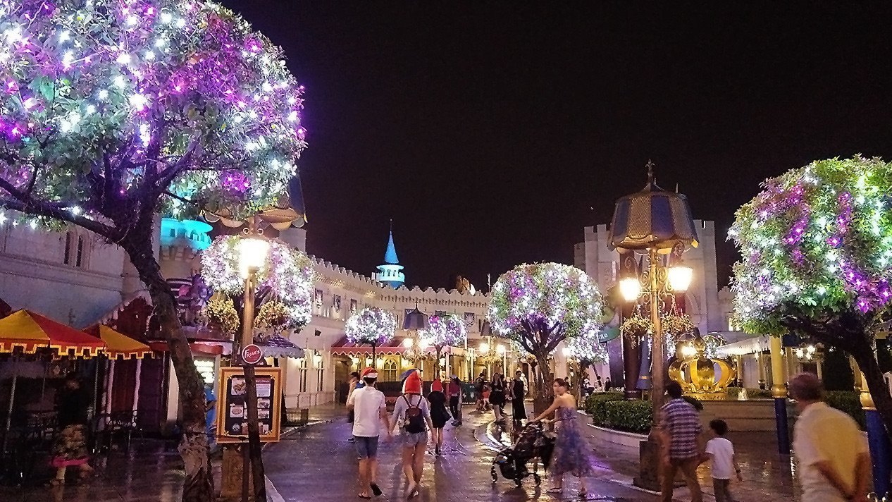 Universal Studios Singapore Christmas Decorations.