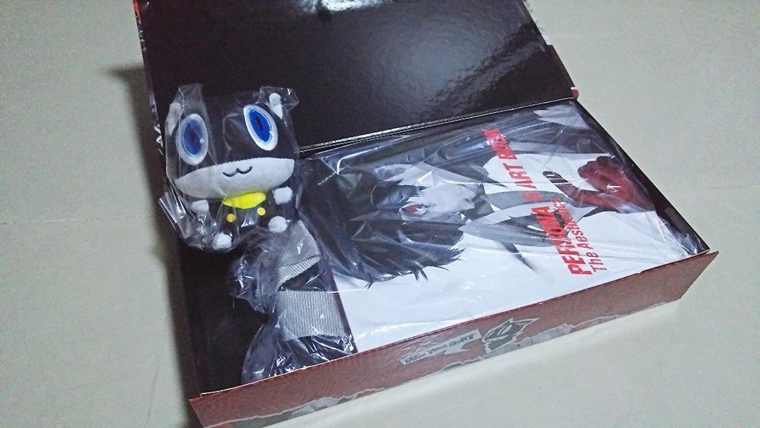 Morgana Soft Toy and Persona 5 Artbook.