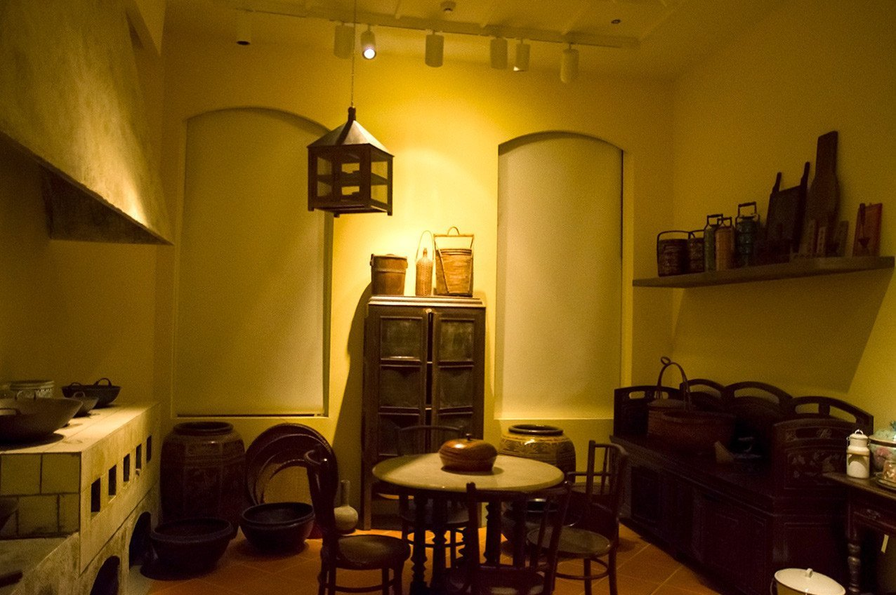 Historical Peranakan Kitchen at Peranakan Museum, Singapore.