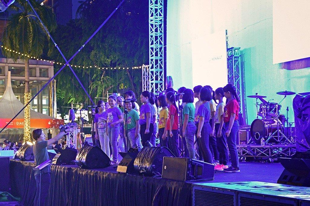 Ngee Ann City Christmas Performance.