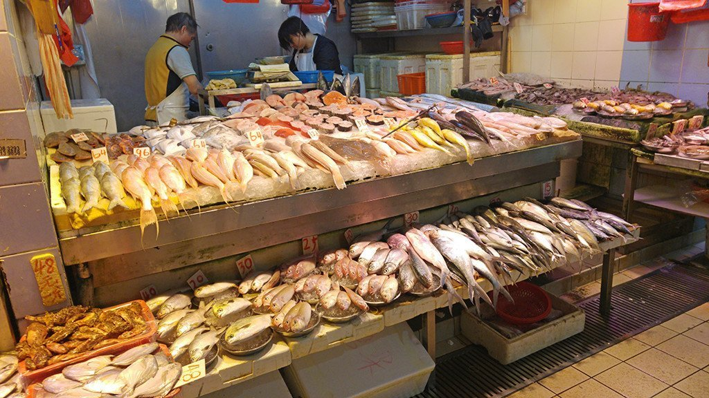 Wan Chai Market seafood stall.