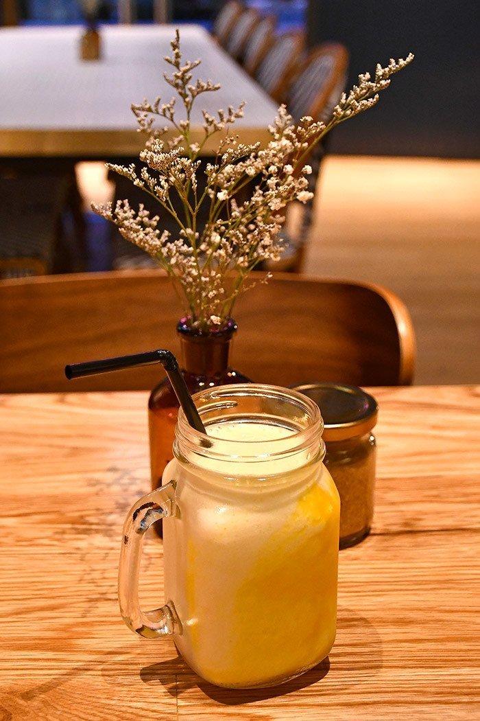 Benjamin Barker Café Summertime Smoothie.