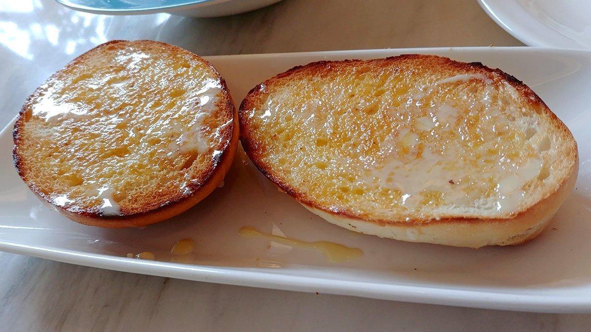 Tsui Wah Clarke Quay Crispy Bun with Condensed Milk.