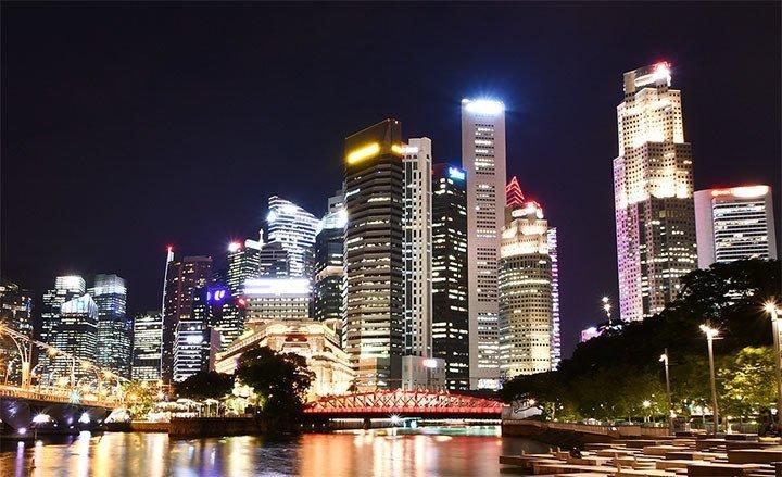 Singapore River at Night.
