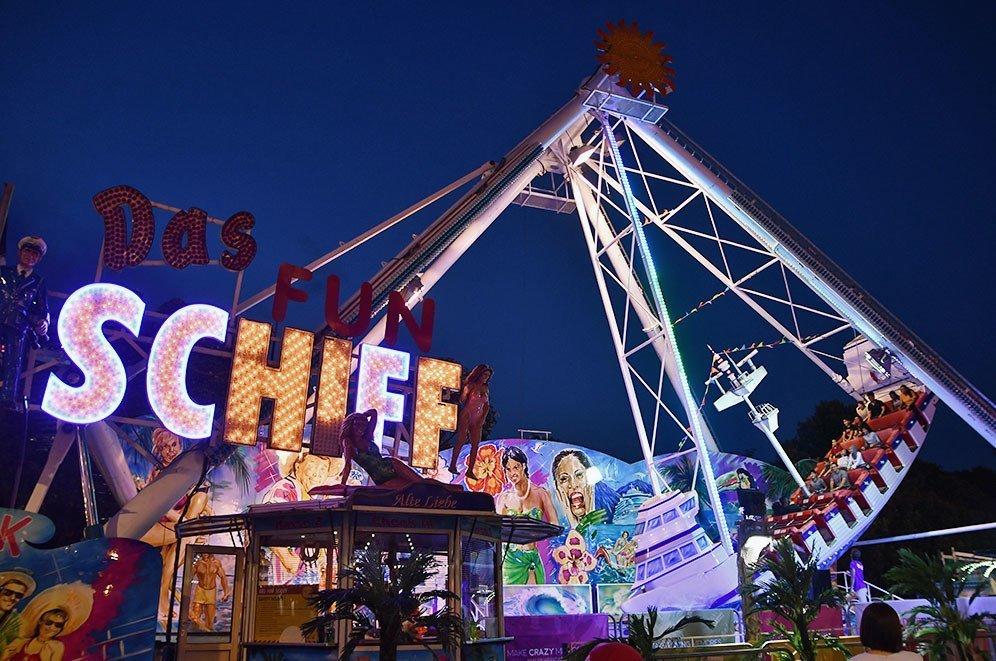 Prudential Marina Bay Carnival 2018 | Das Fun Schiff