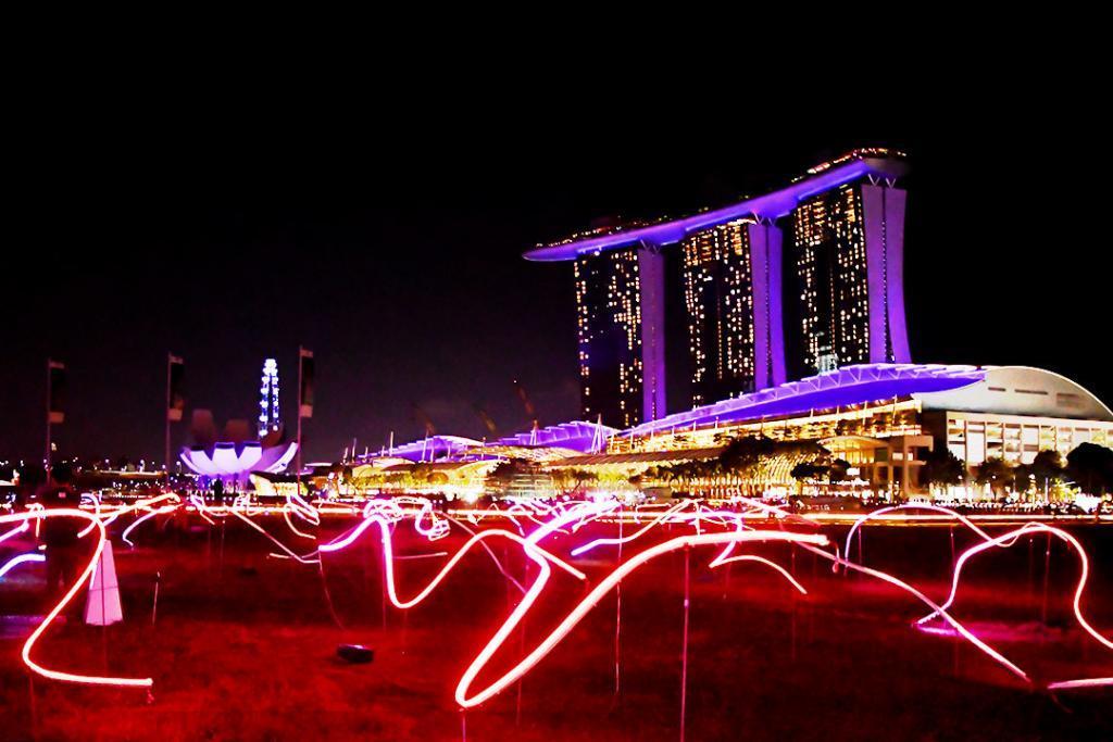 i Light Singapore 2019 Displays.