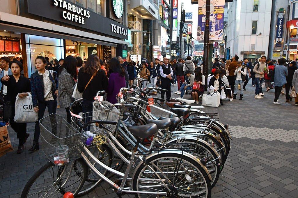 Visiting Sotenbori as a Yakuza Game Series Fan! | Street Bicycles