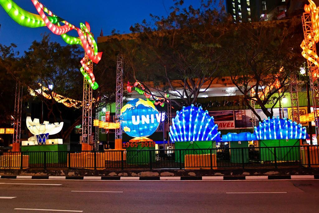 Chinatown Mid-Autumn Festival 2019 | Singapore Landmarks Lanterns