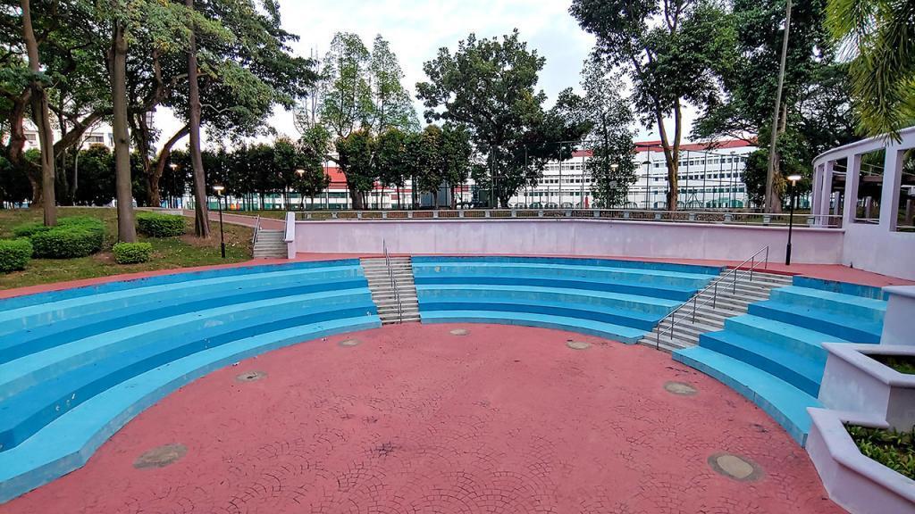 HDB mini amphitheatre