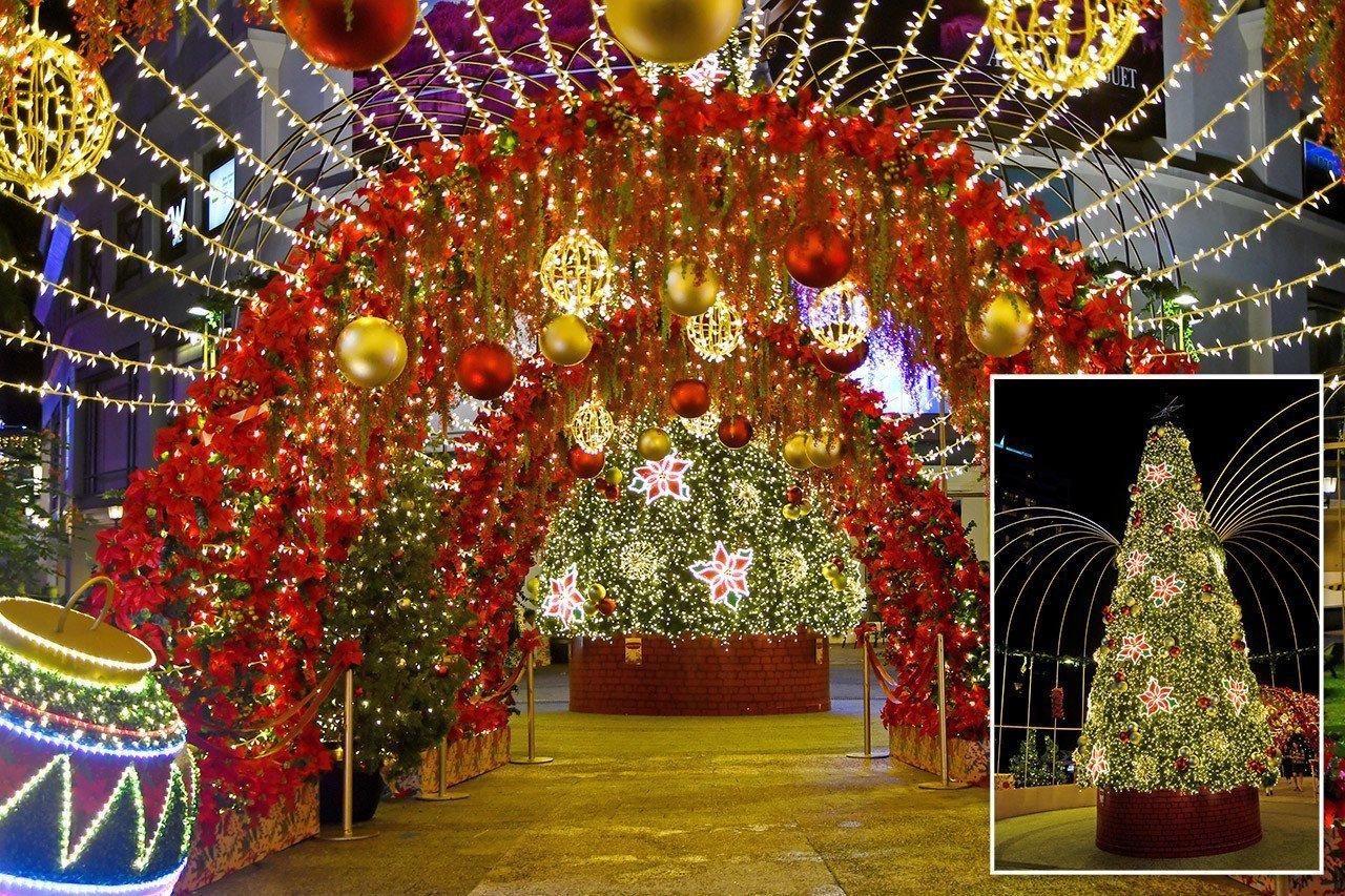Tanglin Mall Christmas Garden 2019.