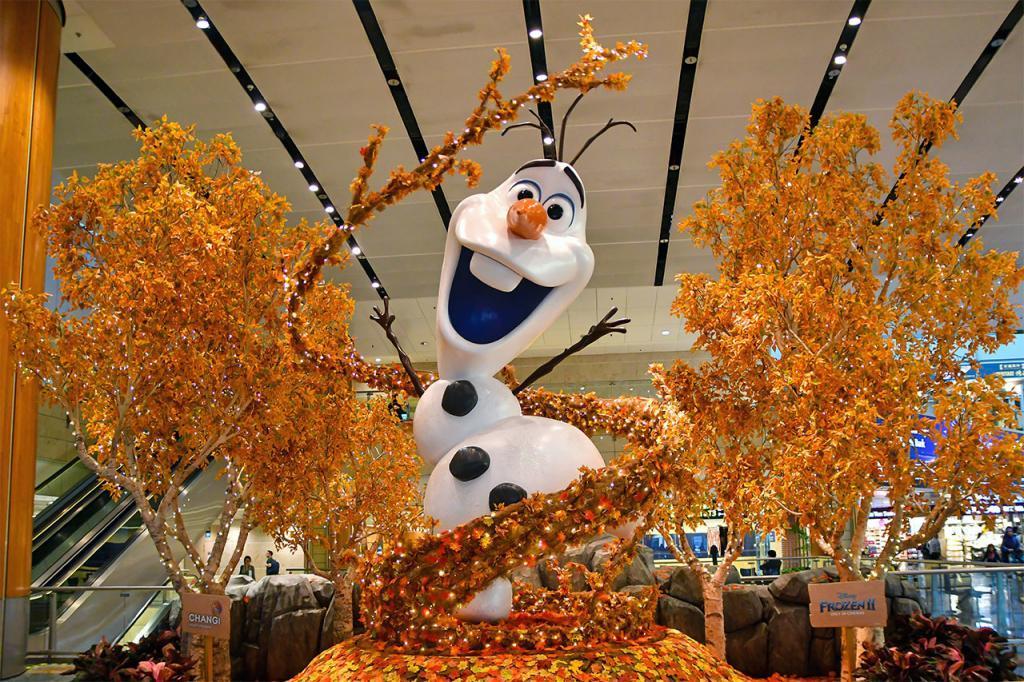 Olaf at Changi Airport Terminal 2