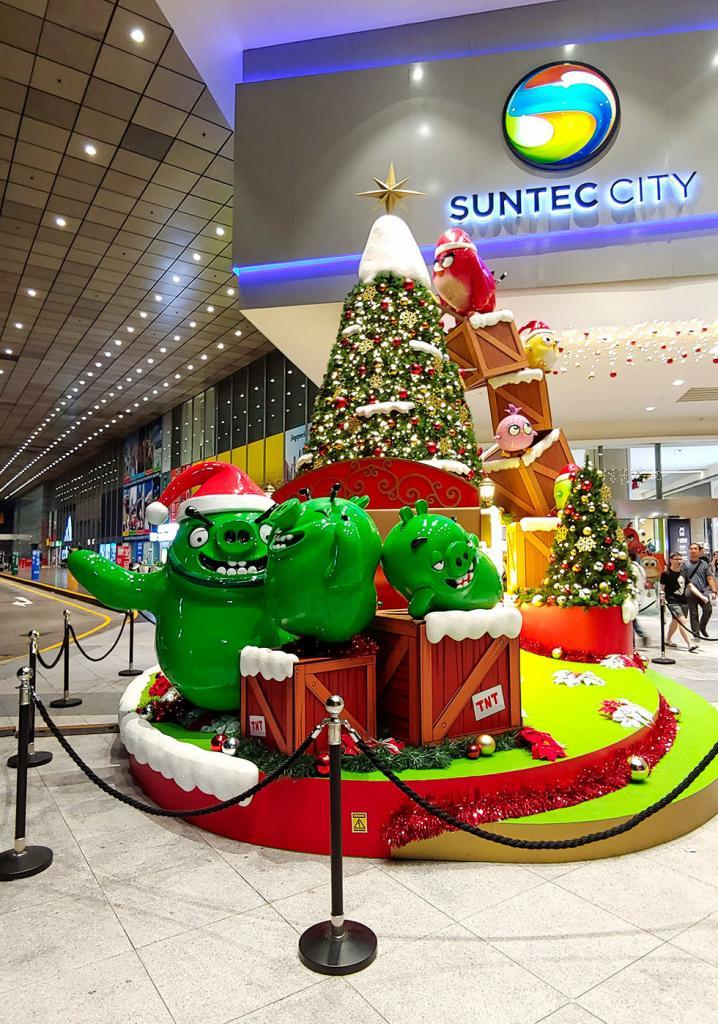 Angry Birds themed Christmas decorations at Suntec City