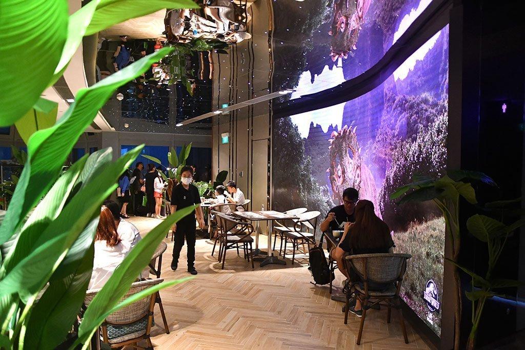 Jurassic World Café at Ion Sky.