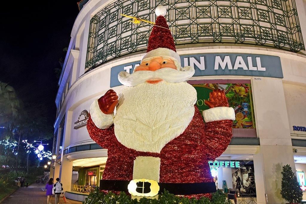 Tanglin Mall Santa.