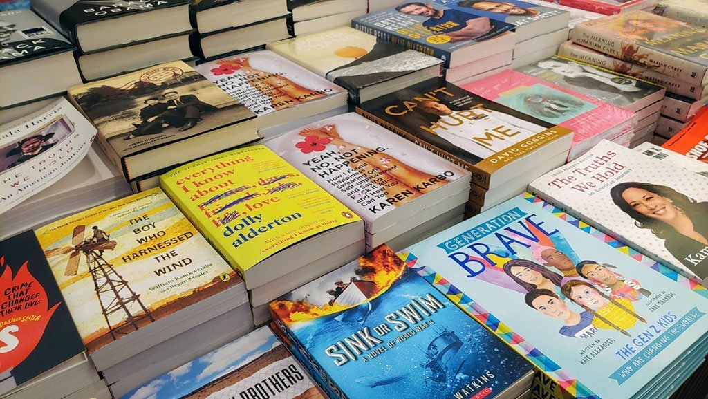 Book vouchers as Christmas gift ideas.