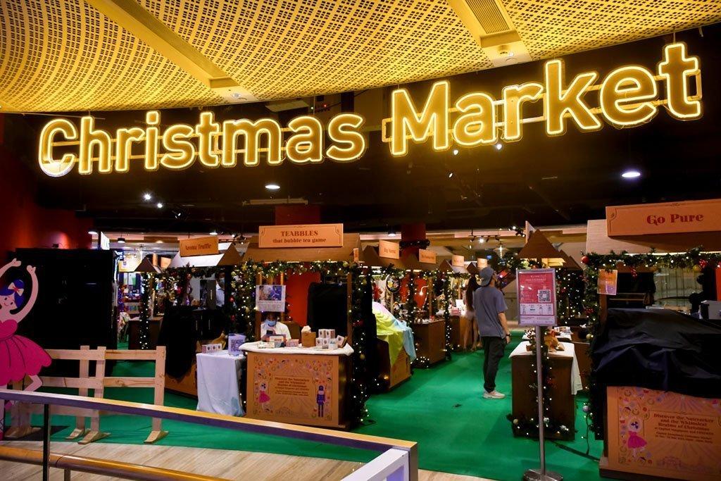 Capitol Singapore Christmas Market.