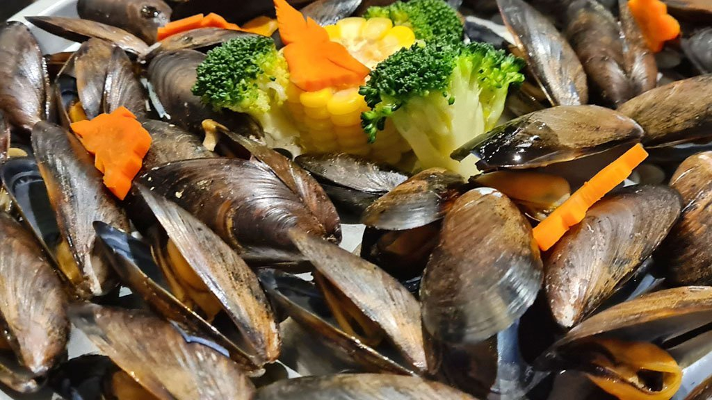 Captain K Seafood Tower Mussels