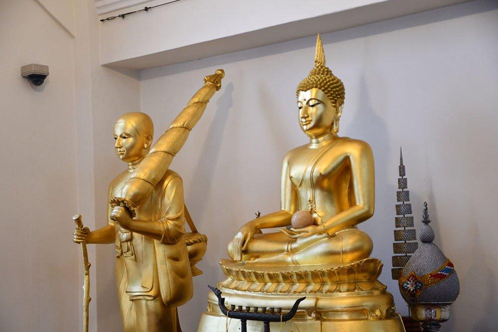 Buddha and Phra Sivali