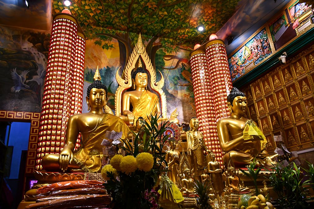 Beautiful Thai Temples in Singapore
